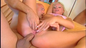 One cums in her ass, one cums in her mouth (CLIP)