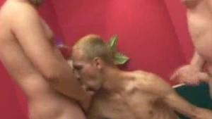 Threeway Oral Gay Men