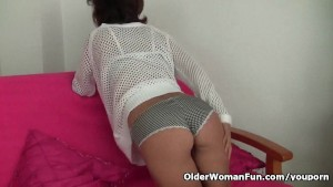Grandma Emanuelle s pussy looks so inviting