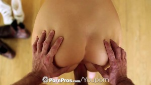 PornPros - Pretty Alexis Adams bakes some goodies for her man