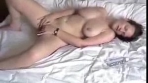 Naughty chick fingering her sexy round ass
