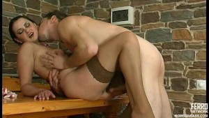 Anal MILF take it in her ass