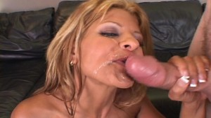 Slutty MILF takes neighbors cum shot on chin
