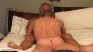 Muscular man on bottom. Doesn t let me in all the way.