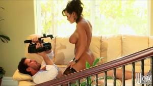 Big-tit MILF Lisa Ann sucks & fucks a big-dick on camera