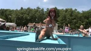 Nudes a Poppin Go Go