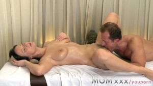 MOM Brunette has the massage of her life