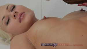 Massage Rooms Teen with perfect body finger fucked by flexible masseuse