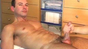 Marco serviced in spite of him: get wanked his huge cock !
