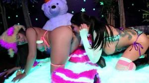 Romi Rain & Dani lesbian black-light fun