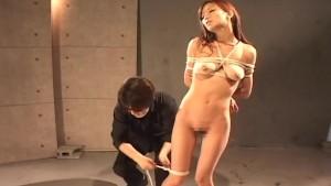 Ravishing Japanese girl is made to cum in ropes