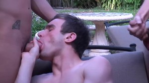 There is enough sucking for everyone - Cum Pig Men