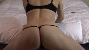 Shaking and twerking my ass while giving you jerkoff encouragement
