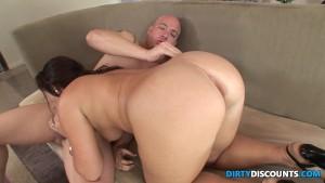Curvy bigbooty babe slamming pussy on cock