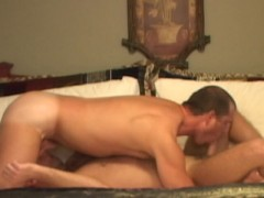 Two fellas cum at the same time.